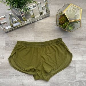 See-through relaxing shorts